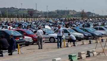 بیش از یک میلیون دستگاه خودرو در سال نمیتوانیم بفروشیم / پراید ۴۰ میلیونی کارخانه را ۱۴۰ میلیون میفروشند