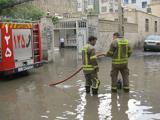 گسترش فعالیت آتش نشان ها در مناطق سیل زده