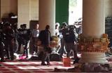 یورش صهیونیستها به مسجد الاقصی و حمله به نمازگزاران