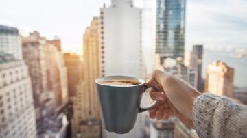 چرا نباید با معده خالی قهوه بنوشیم؟