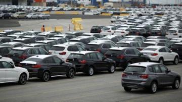 ترامپ در داووس صادرات خودرو اروپا را تهدید کرد
