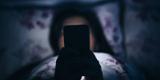 چرا نور موبایل موجب بی خوابی می شود؟