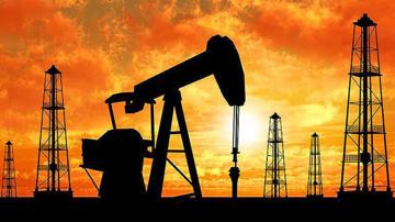 توافق تاریخی در بازار نفت در راه است/ شوک نفتی ترامپ پایدار میماند؟