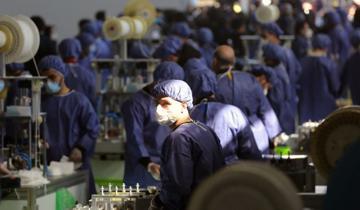 بزرگترین کارخانه تولید ماسک جنوب غرب آسیا در ایران/تصاویر