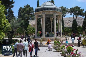تصاویری از بازگشایی حافظیه شیراز پس از سه ماه تعطیلی + فیلم